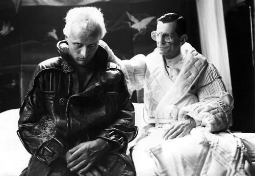 """İnsan, biyomekaniğin """"tanrısı"""" mı? Bizler Tyrell miyiz yoksa Roy Batty mi?"""
